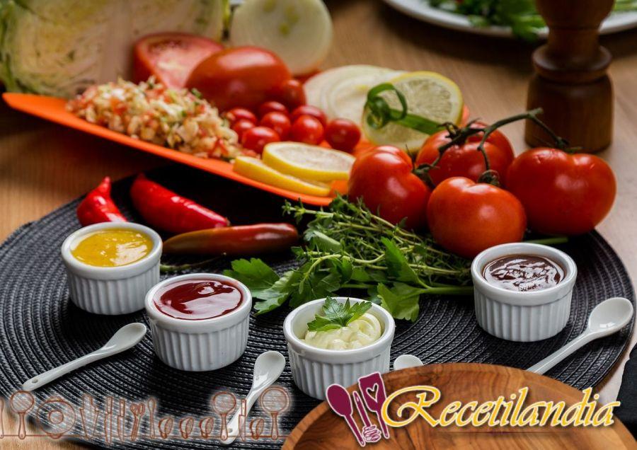 Salsa de verduras crudas con aperitivo: Dips