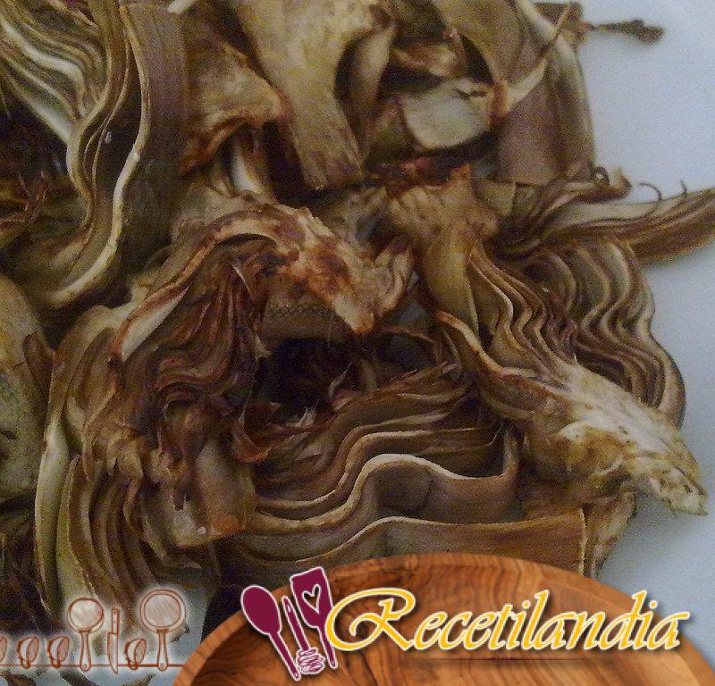 Alcachofas a la parrilla con alioli de limón carbonizado
