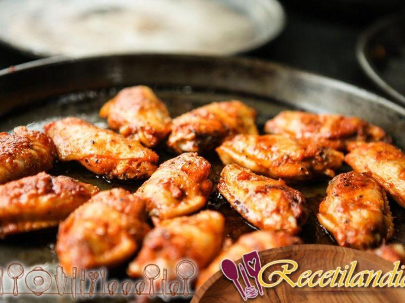 Alitas de pollo Bayou