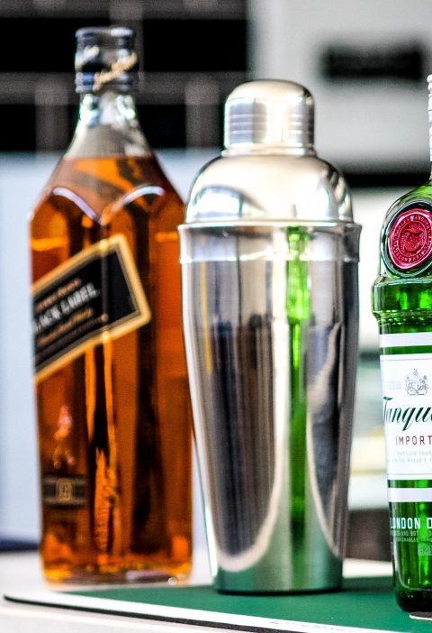Bebida alcohólica + glaseado de frutas