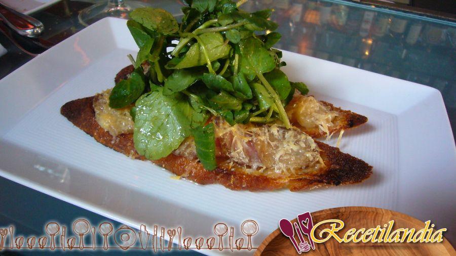 Bruschetta de foie gras, chutney de fresas