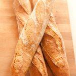 Pan de centeno en una cazuela