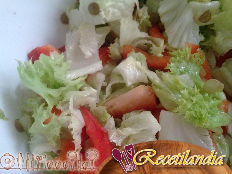 Ensalada de lentejas y garbanzos con vinagreta de harira
