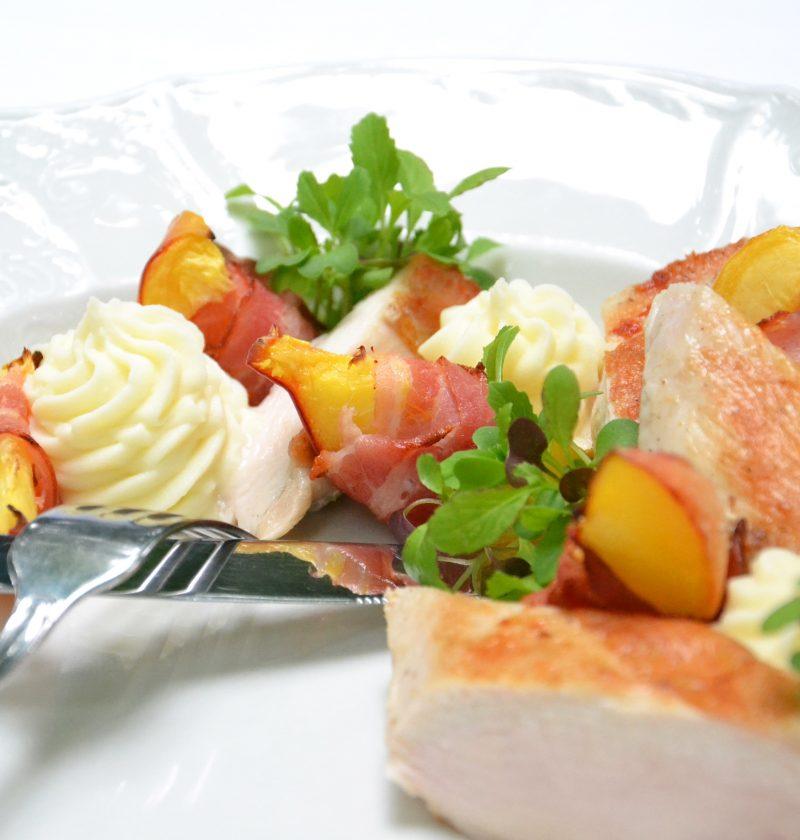 Ensalada de sandía a la parrilla con rúcula y queso fresco