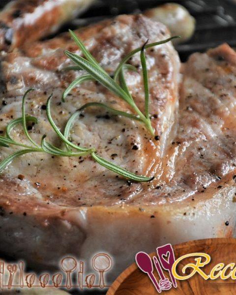 Filete de cerdo mignon hervido a fuego lento con batatas y zanahorias
