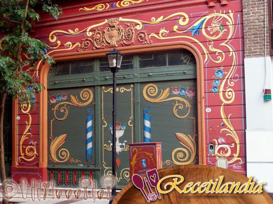 Filetes de pintada de la granja de las Landas con acelgas y piñones