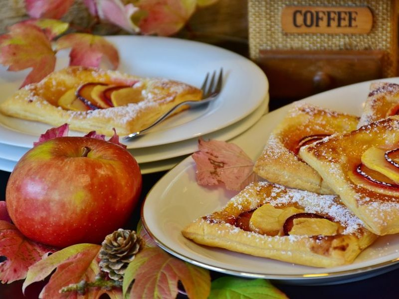 Hojaldre de manzana y uva, sin huevo
