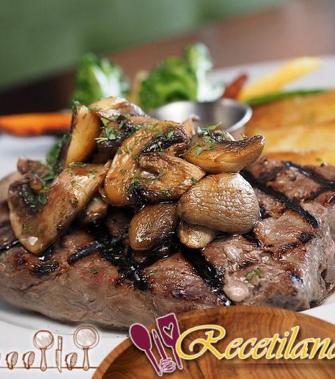Lomo de Cerdo Bourbon Pecan con Salsa de Pimienta Negra Dulce para Cuando Quieras