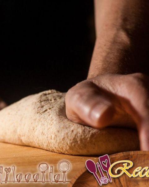Panes finos: Matlouh, Aiysh, Khoubiz, Barbari, Mankoush, Pitta, Mannaeesh
