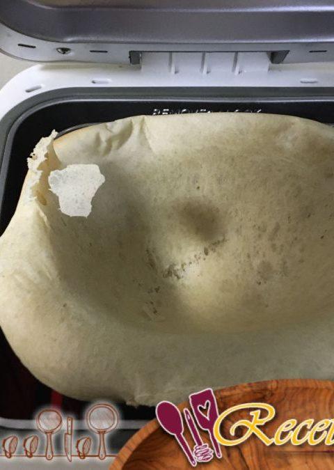 Pan en una máquina de pan