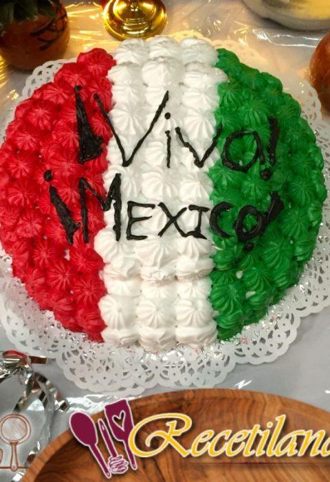 Pastel mexicano con carne molida, pimienta y comino