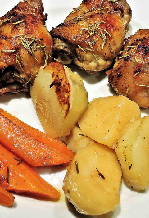 Patatas asadas al ajo y al limón griegos
