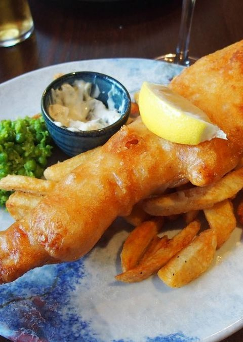 Fish & Chips / Pescado y patatas fritas