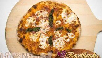 Pizza Estilo Napolitano Perfecta con masa artesanal