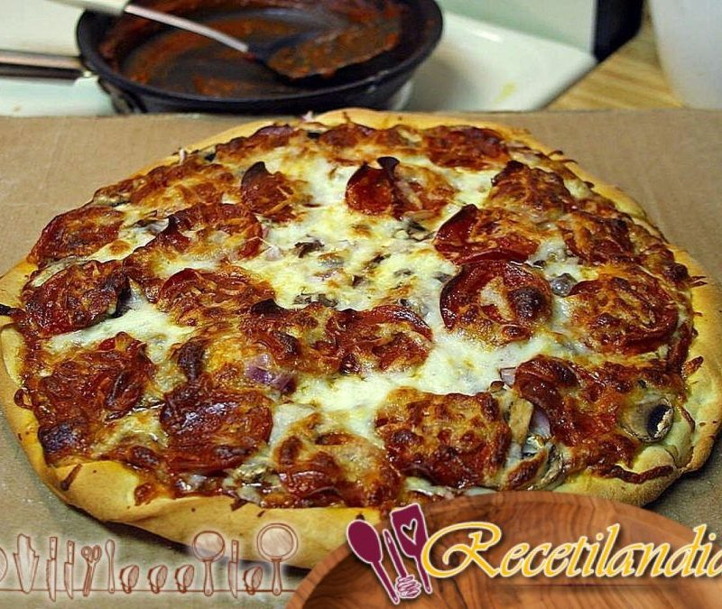 Pizzas de tocino, cebolla y Patatas