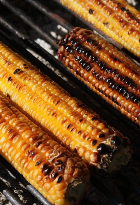 Pudín de maíz a la parrilla