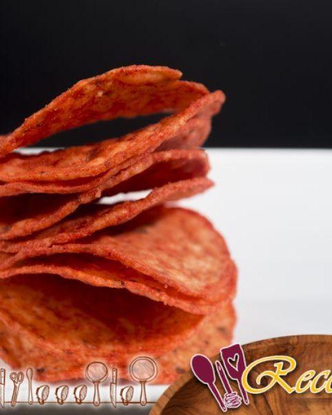 Queso Cheddar, cebolla y bollos de chile