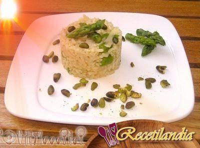 Risotto de espárragos y pistachos