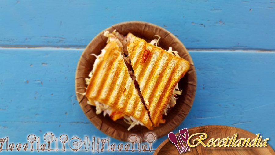 Sándwiches de pavo Pastrami Reuben