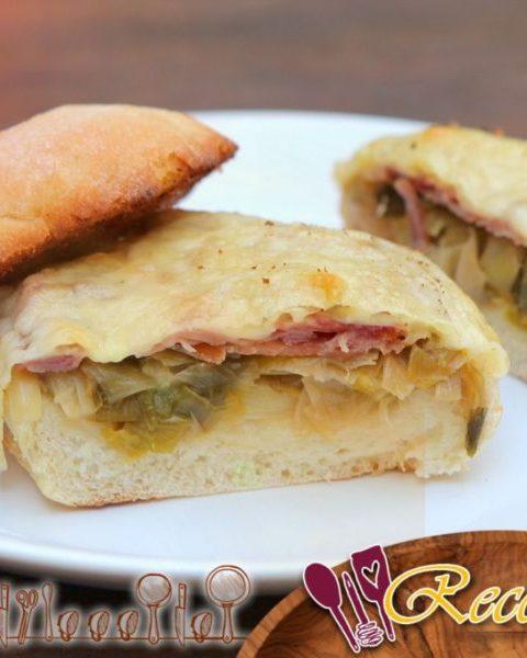 Sándwiches de queso comté, jamón crudo y puerros