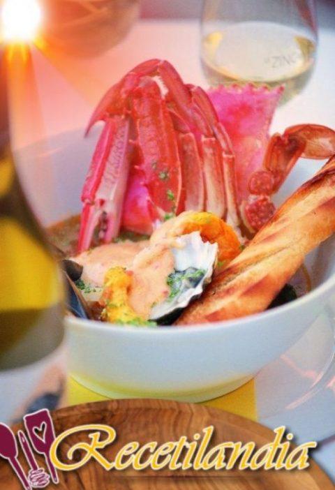 Sopa de pescado al estilo de Anthony Bourdain