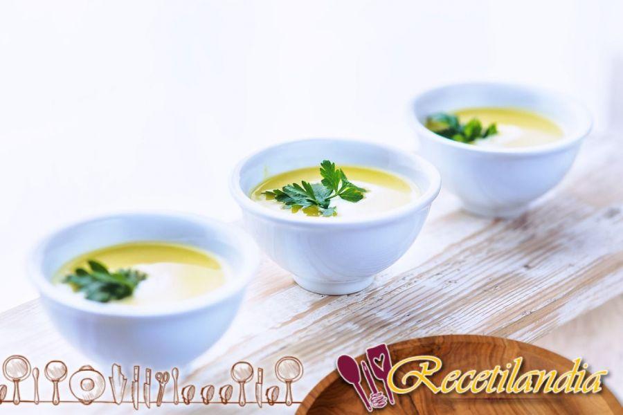 Sopa de castañas con tomillo