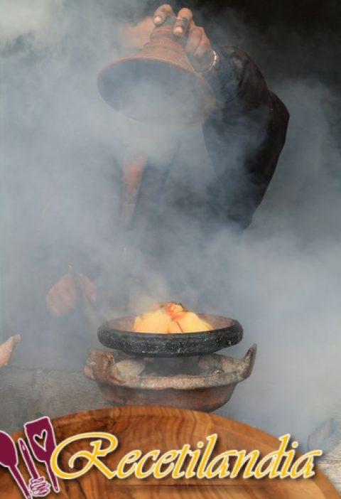 Tagine de cordero con 5 especias y nabos glaseado con jengibre y azafrán