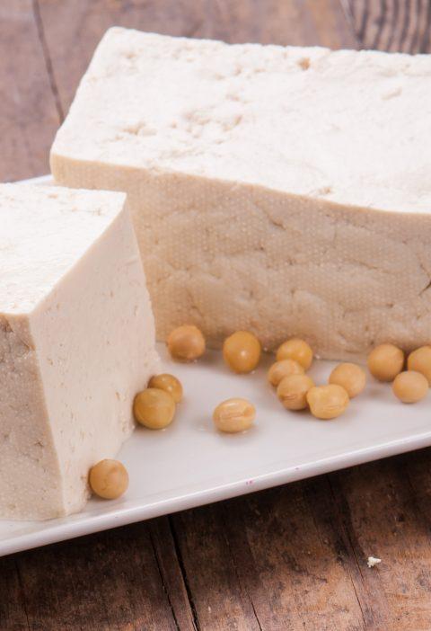 """Tofu en brochetas"" (Dengaku)"