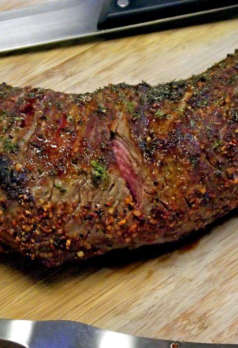 Tri-Tip del cavernícola con salsa de ámbar
