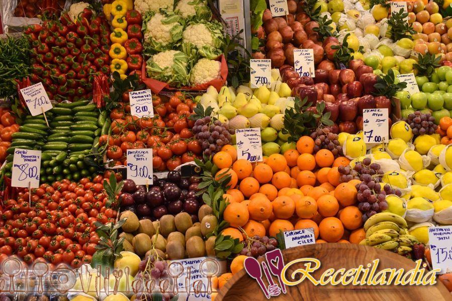 Ensalada de frutas en lata