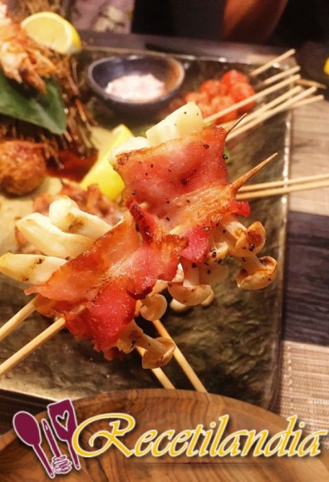 Yakitori como lo hacen en Japón